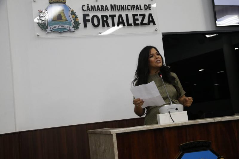 Priscila Costa 4
