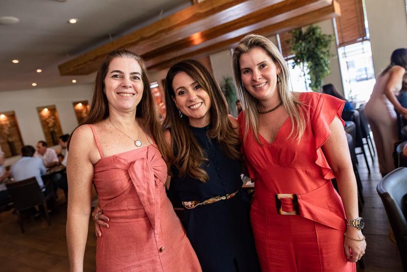Isabela Brasil, Claudiana Loureiro e Adriana Loureiro