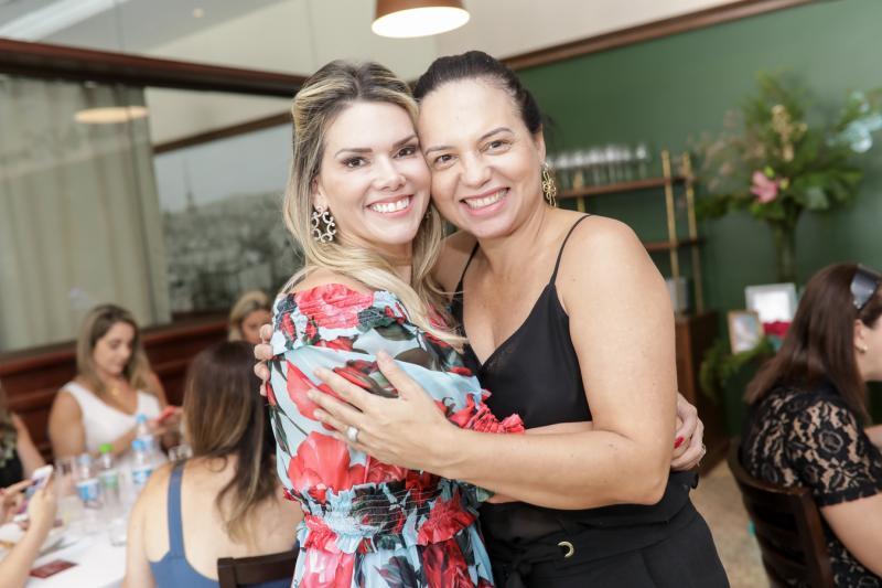 Pauliane Campos e Clara Studart