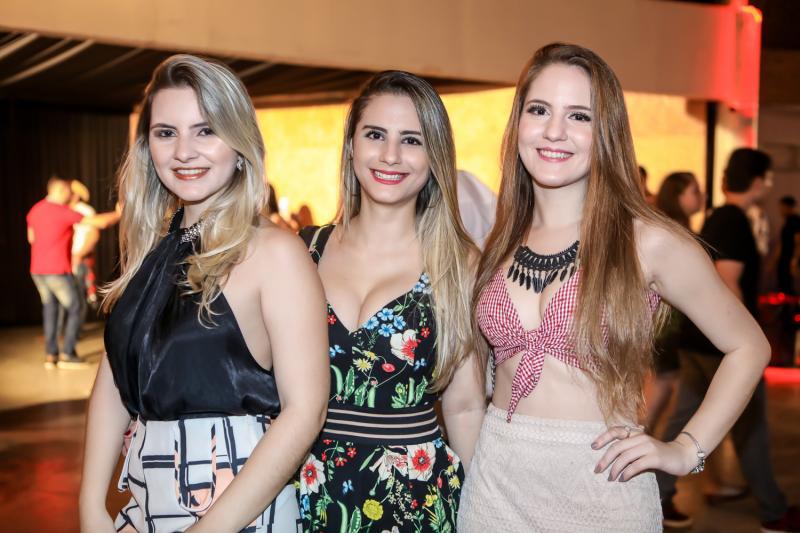 Ariane Moura, Mara Arcanjo e Suzana Thomaz