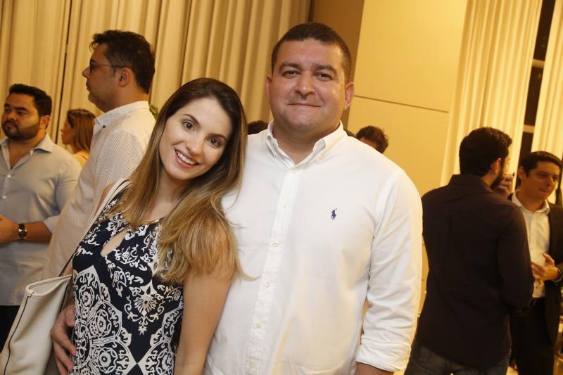 Rachel Tibucio e Eloilson Aragao