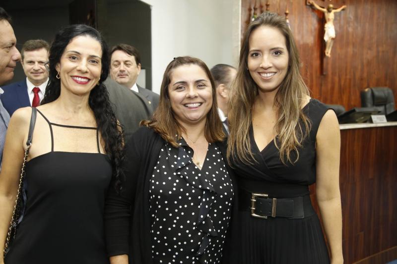 Fernanda Zebalos, Adriana Ferreira Gomes e Gisele Bezerra