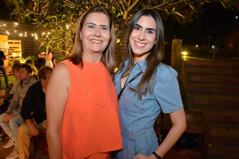 Debora e Beatriz Moreira