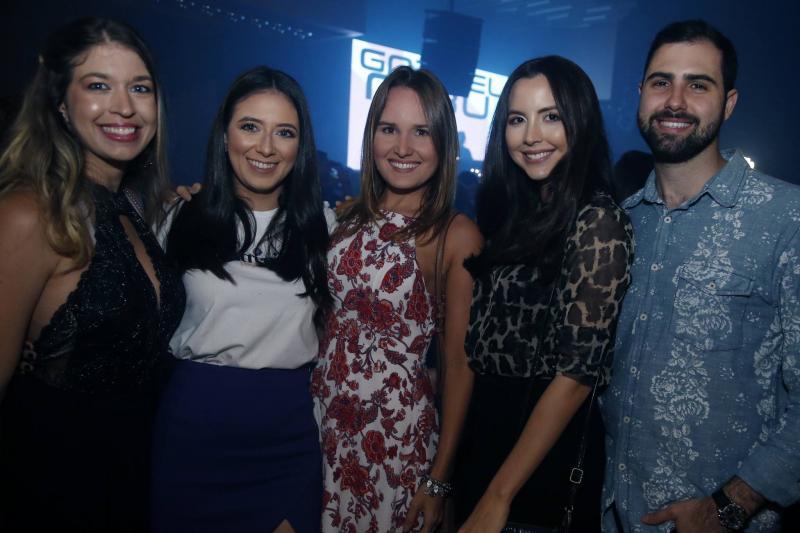 Camila Sampaio, Talita Almeida, Isadora Malafaia, Tatiana Mesquita e Vitor Bessa