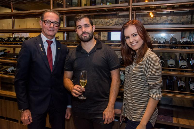 Marco Ferrari, Felipe Rocha e Isabela Tavares