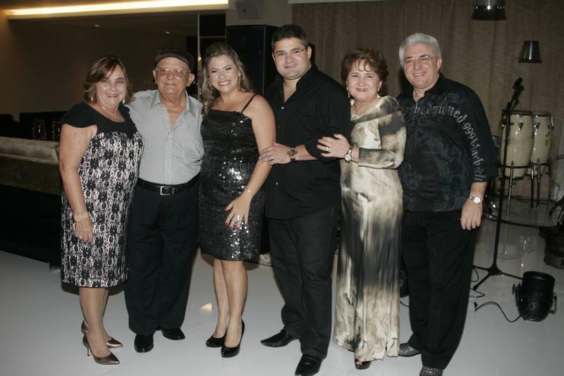 Miriam e Zenilo Almada, Vanessa, Mario, Auricelia e Deusmar Queiros