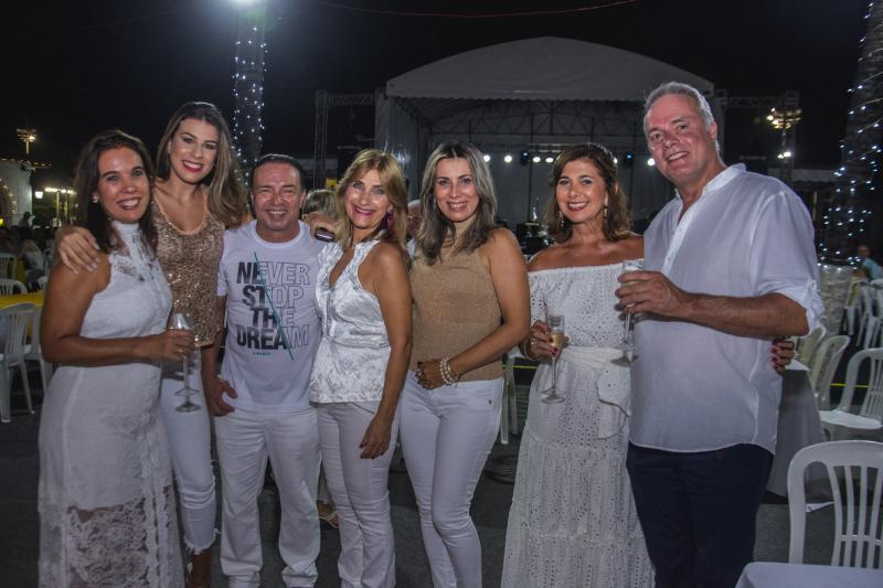 Liliana Coelho, Maria Tereza Poncedeleao, Werner Rolim, Jaquline Barbosa, Viena Poncedeleao, Jaqueline de Deus e Willian Fambemmew