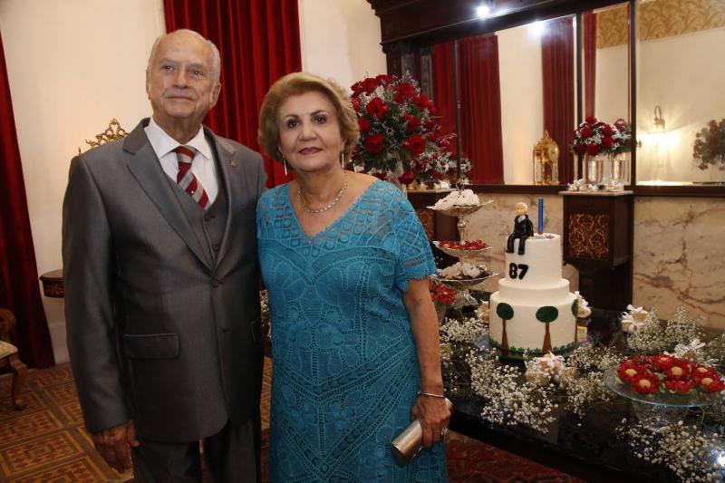 Paulo Barbosa e Ester Castro