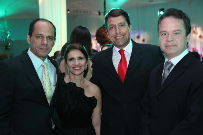 Mano e Augusta Alencar, Gony Arruda e Lisandro Fujita