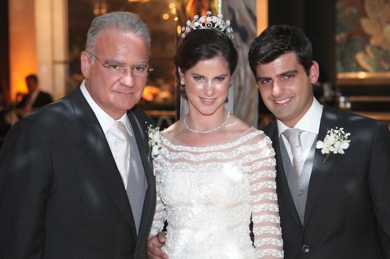 Chiquinho Feitosa com os noivos Beatriz Barata e Chiquinho Filho