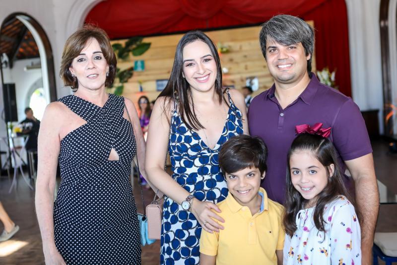 Flavia Baiamn, Priscila, Leonardo, Joao e Luisa Rocha