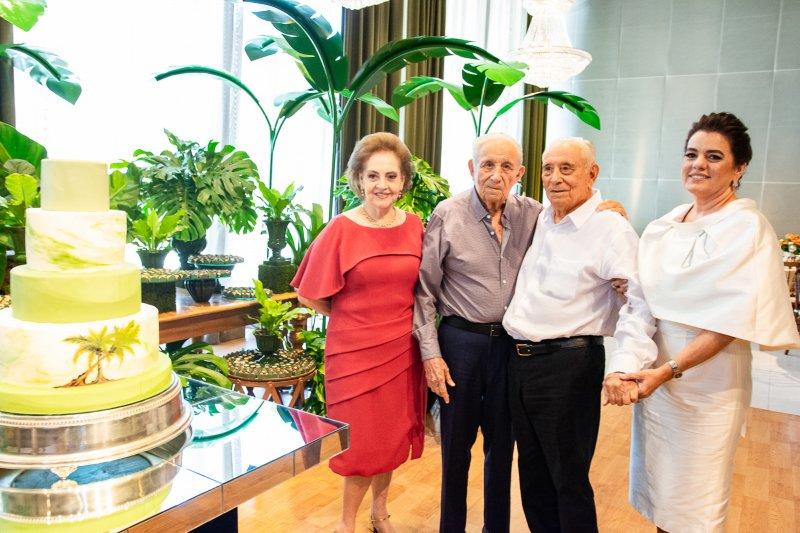 Os 93 anos de Humberto Bezerra. Chambinho do Acordeon canta no último aniversário do ex-banqueiro