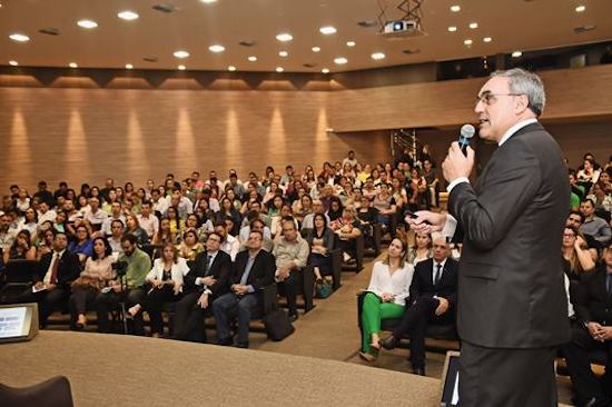Evento sobre o eSocial lota auditório da FIEC