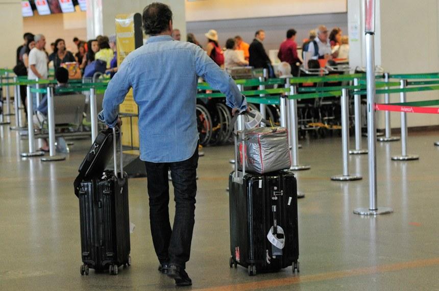 Deputados questionam alta de preços das passagens aéreas