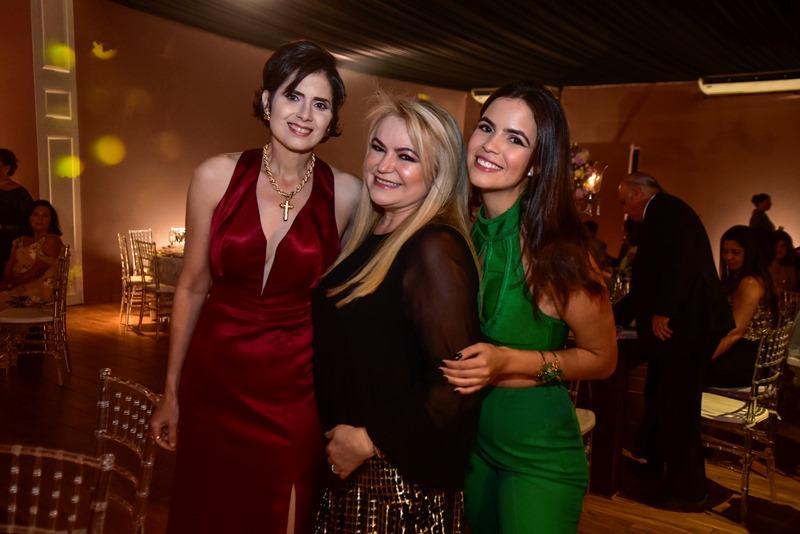 Lilian Campos Soares, Socorrinha Pontes, Victoria Pontes