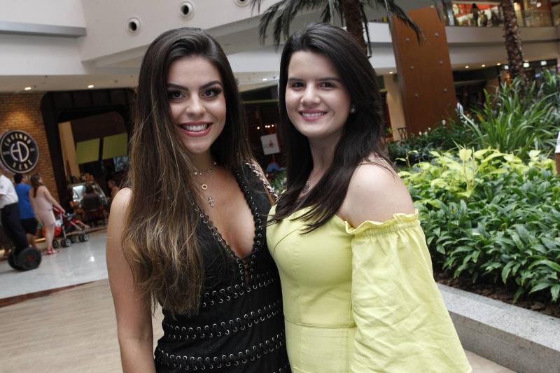 Camila e Bia Nogueira