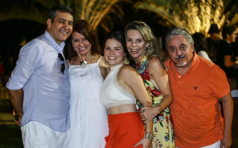 Eduardo Morais, Suzane Farias, Leticinha Studart, Lilian Porto e Armando Aguiar