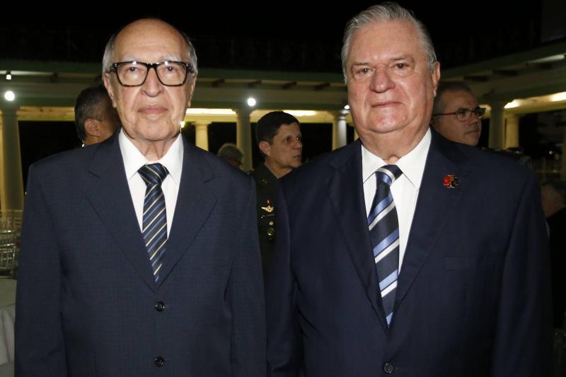 Lucio Alcantara e General Theo Basto