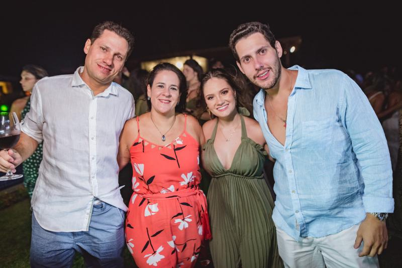 Rafael Pontes, Lia Pontes, Leticia Teixeira e Gabriel Dias Branco