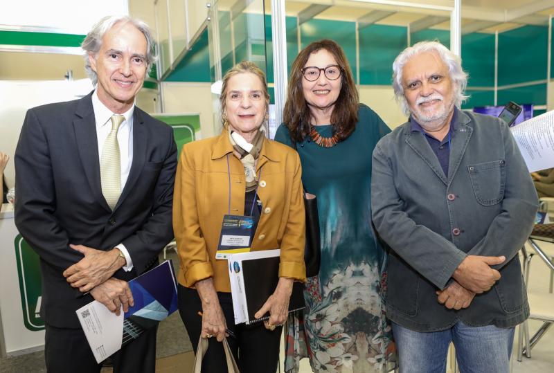 Marcos Pompeu, Annea Ribeiro, Claudia Leitao e Joaquim Cartaxo