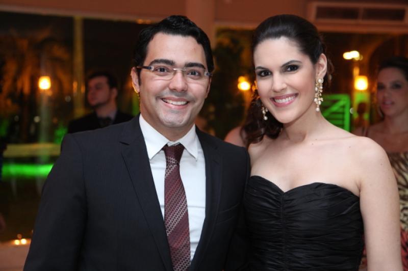 Andre Laprovitera e Larissa Pontes