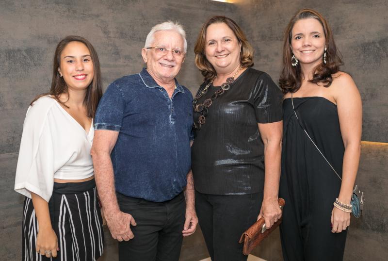 Mirela Saboia, Luis Vandeberg, Denise Sampaio e Paula Sampaio
