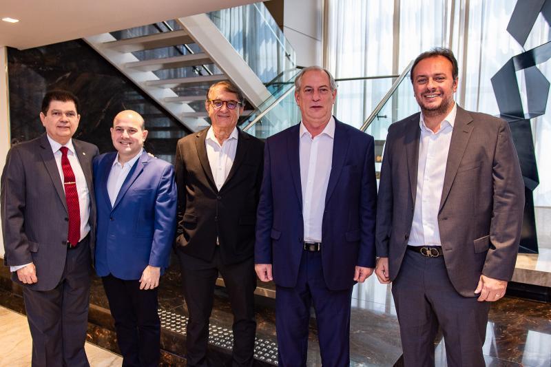 Mauro Benevides, Roberto Claudio, Arialdo Pinho, Ciro Gomes e Adriano Nogueira