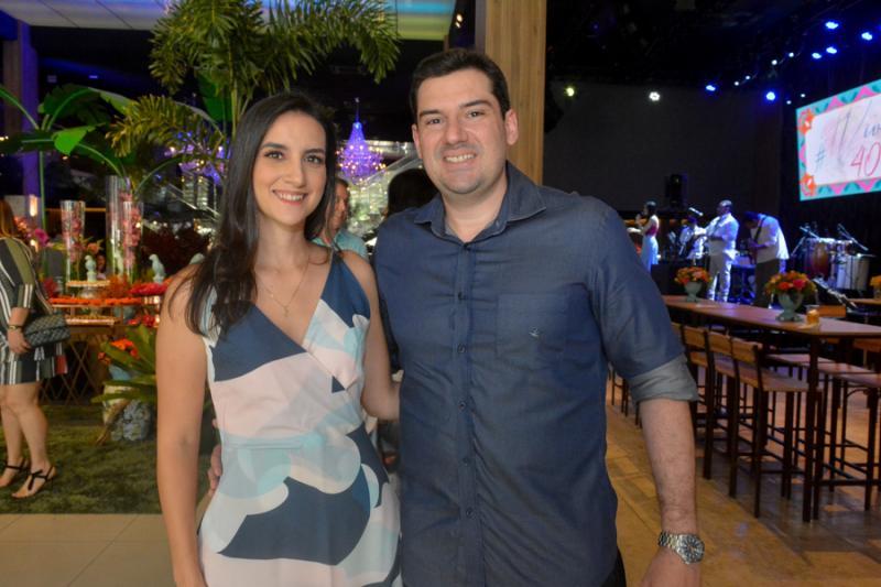 Larissa Rodrigues e Francisco Abaete