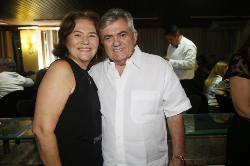 Socorro Fujita e Abineas Bezerra