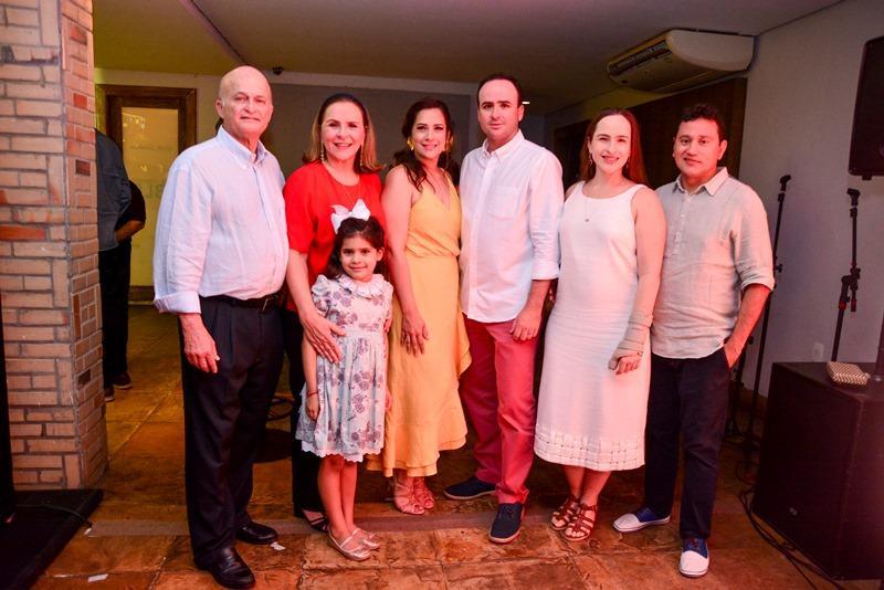 Lauro, Beatriz, Lara, Pedro,Bia Fiuza, Mardonio Barroso e Sofia Fiuza