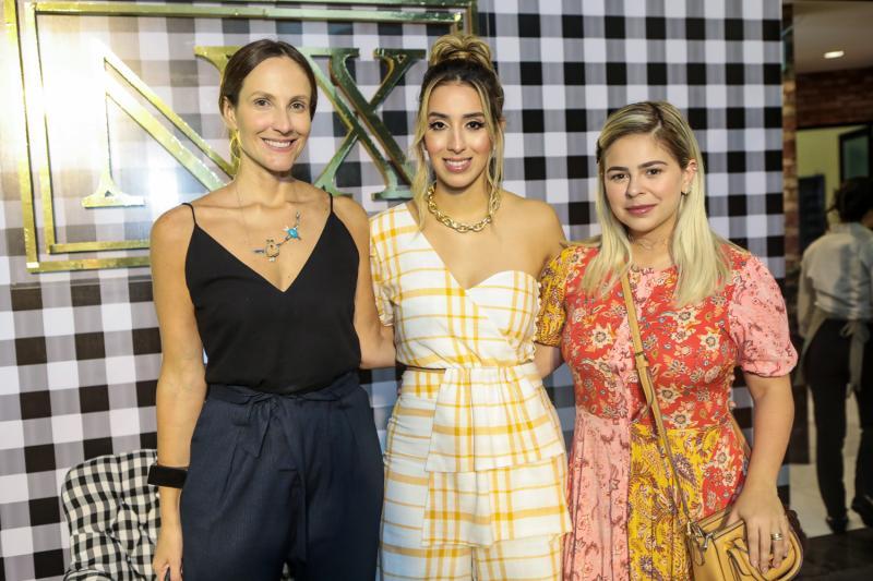 Amanda Medrado, Nathalia Ximenes e Mariana Tavora