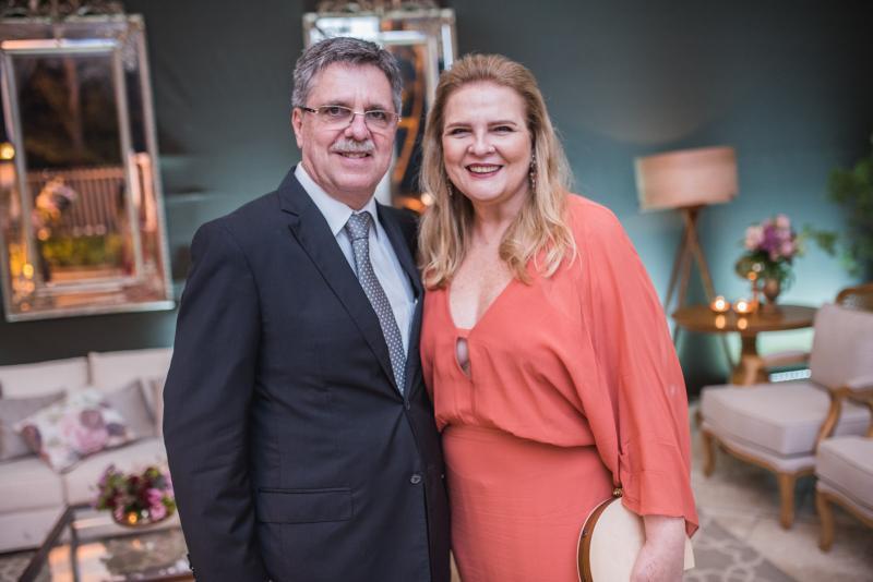 Jose Carlos e Valeria Gama