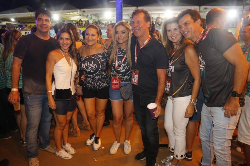 Marcelo e Karina de Castro, Patricia Macedo, Celia e Arthur Magalhaes, Alexandra e Fred Pinto