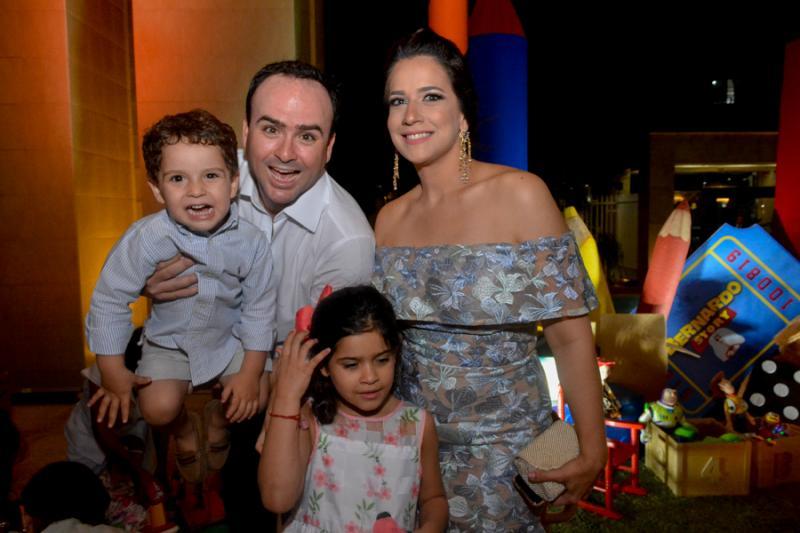 David, Pedro, Lara e  Sofia Fiuza