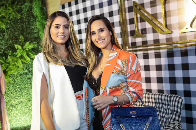Mariane e Monique Cortez