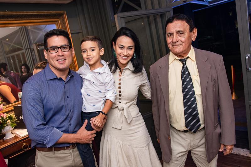 Felipe Emanuel, Theo Sombra, Vanessa Sombra e Antonio Cesar