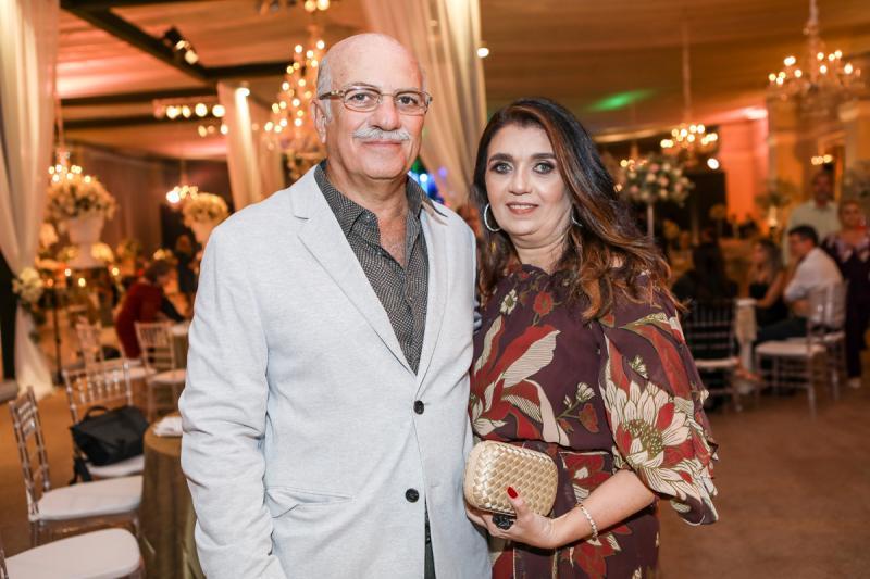 Carlos e Ludimila Abdala