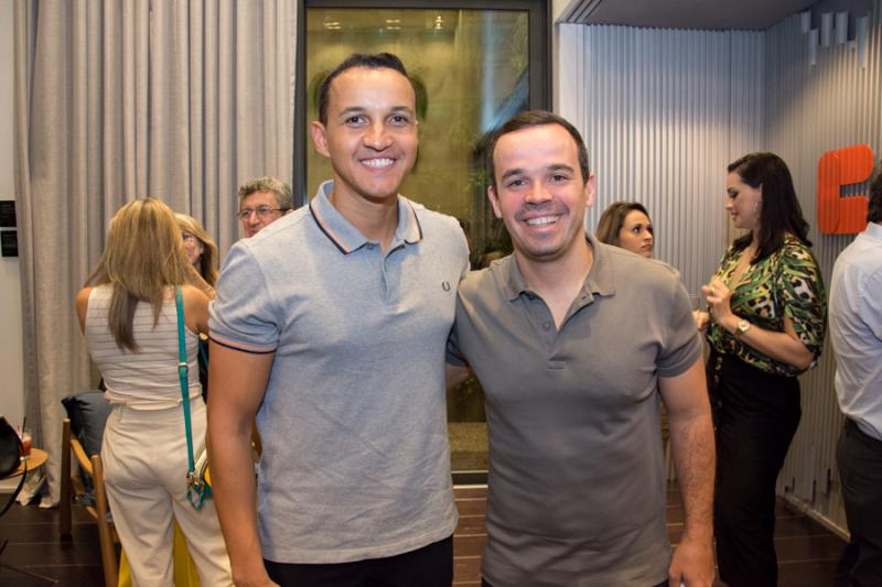 Danilo e Victor Araujo