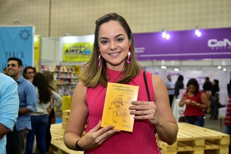 Elayne Cavalcante