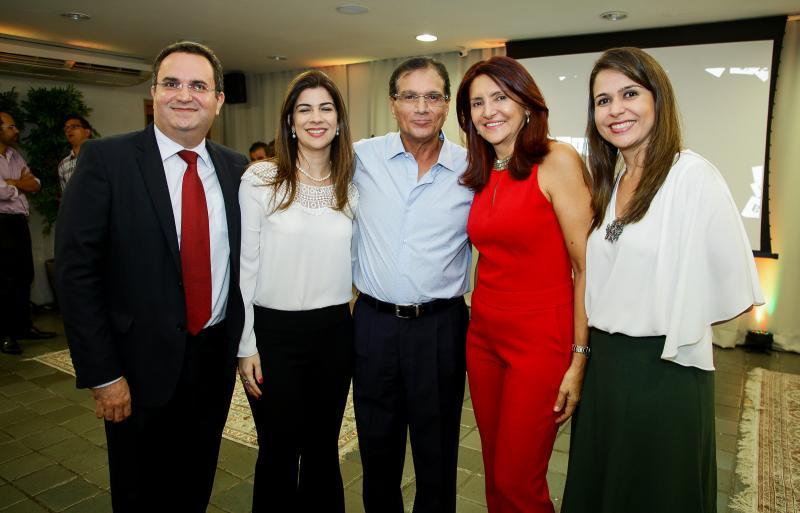 Eudes Cavalcante, Rafaela Mota, Beto Studart, Ana Nobre e Camila Benevides