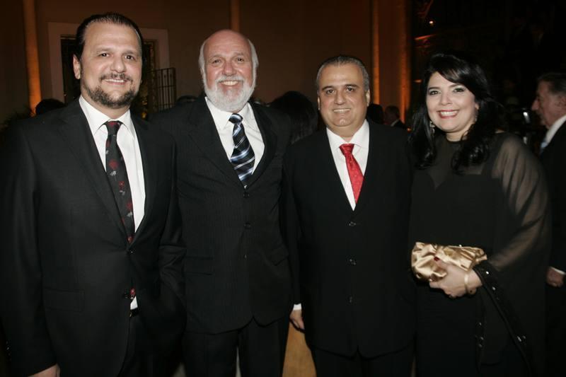 Adrizio Camara, Mauricio Leal, Max e Sellene Camara