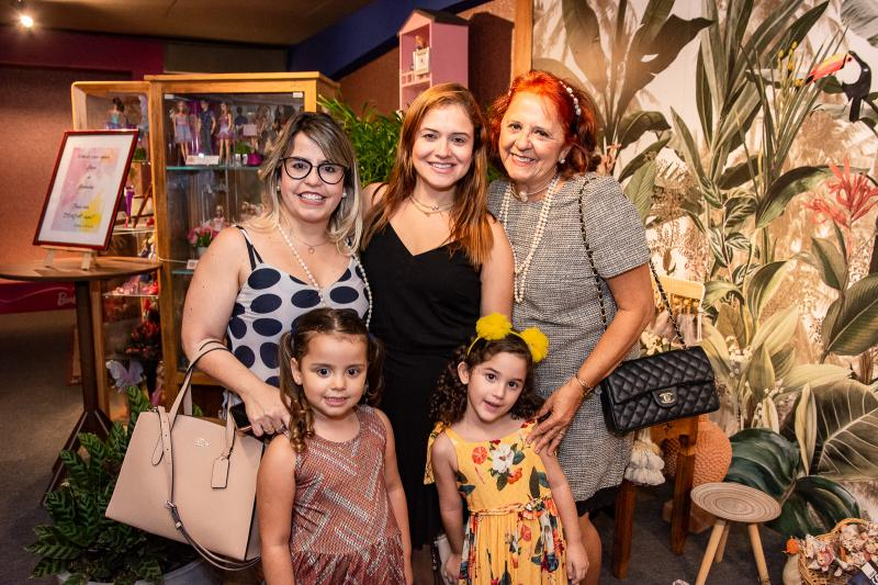 Camila Borges, Maria Priscila, Vivain Fermanian, Beatriz Fermanian e Fatima Duarte