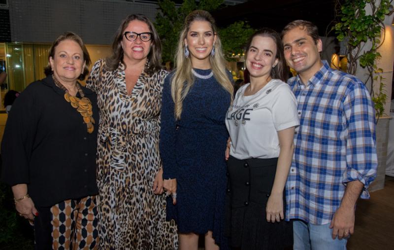 Silvia Jales, Patricia Cavalcante, Geogeanne Benevides, Marta Jales e Fabio Nasser