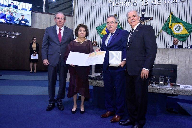 CDL de Fortaleza recebe homenagem na Assembleia Legislativa em comemoração aos seus 60 anos