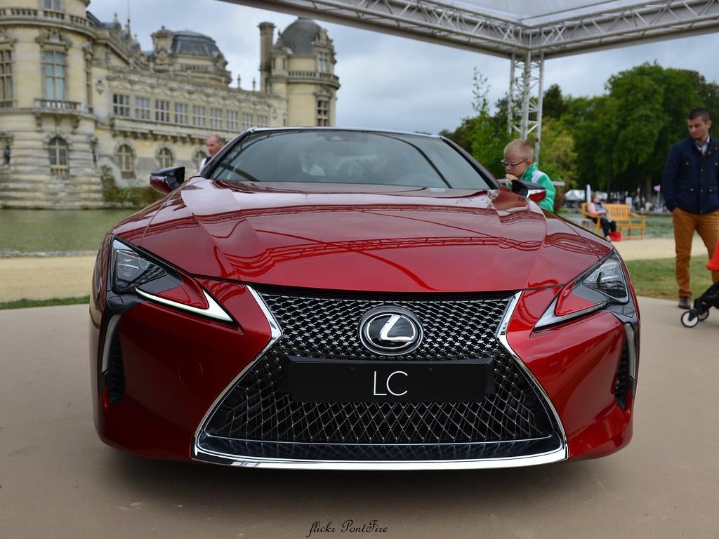 Lexus completa 30 anos misturando tradição e inovação a cada modelo