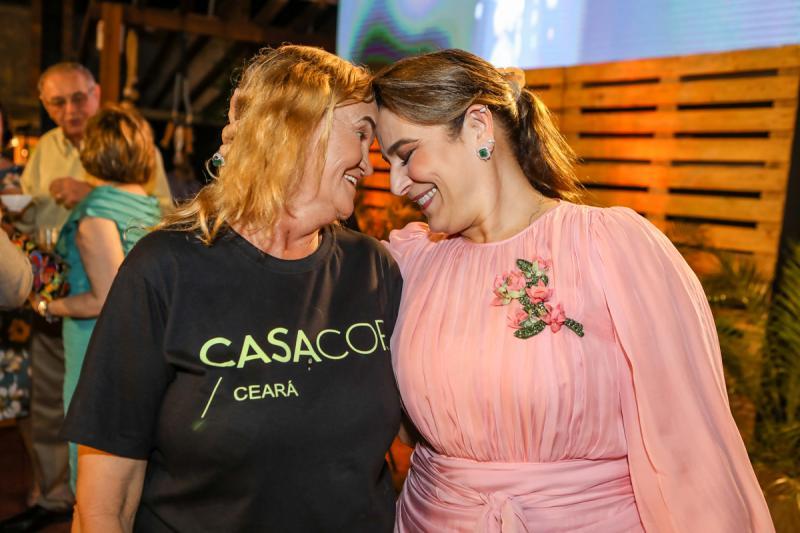 Elita Farias e Patricia Macedo