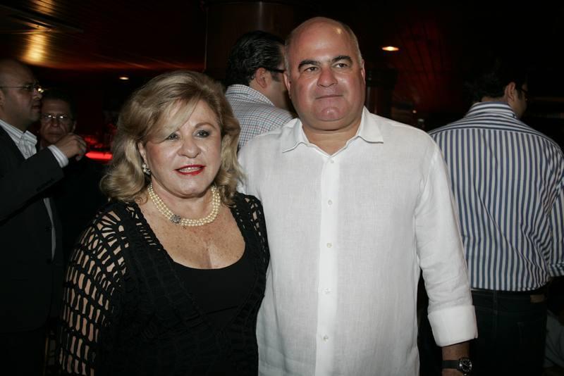 Simone e Lucian o Cavalcante