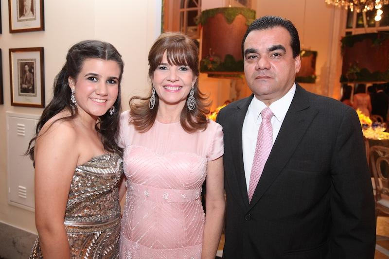 Paula, Susy e Edmar Feitosa