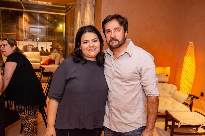 Camile Castro Alves e Adriano Queiroz