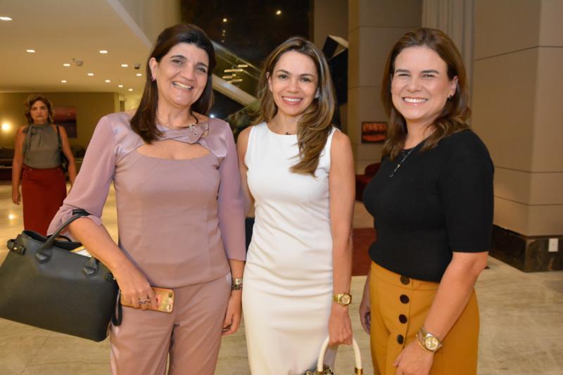 Josiane Araujo, Denise Queiroz e Clarisse Mota